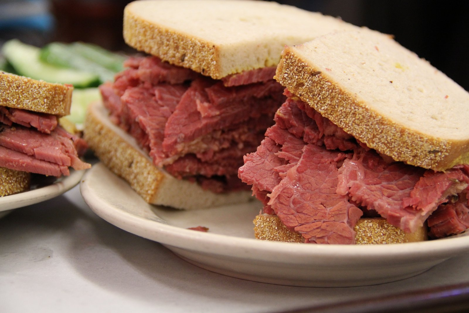 KATZS_DELICATESSEN_PASTRAMI_NEW_YORK_PHOTO_3485