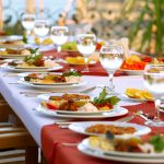 10 rzeczy, które restauracje muszą natychmiast przestać nam robić