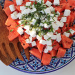 Chłodząca sałatka z arbuza – błyskawiczny przepis na lato