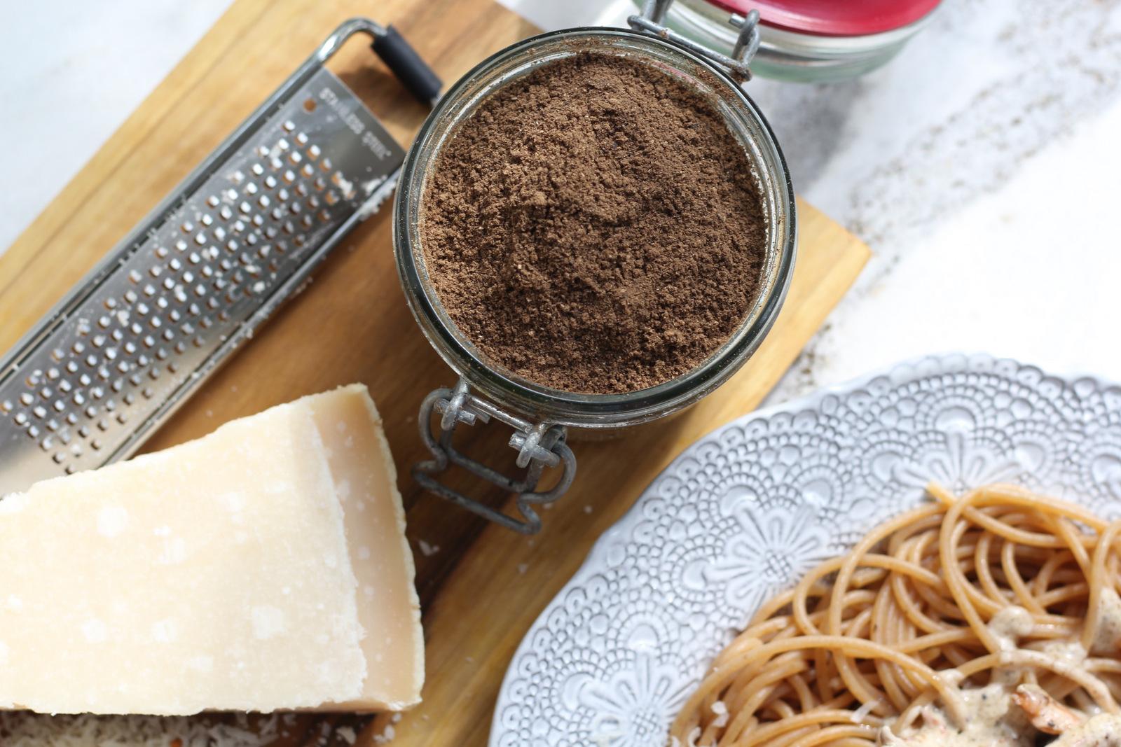 spaghetti z kurkami puder z kani przepis