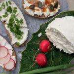 Śniadania Mistrzów: idealnie kremowy twarożek z jogurtu greckiego – przepis