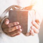 Wyjątkowe prezenty gwiazdkowe, które zaspokoją każdy gust i budżet