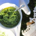 Pesto z liści rzodkiewki – doskonały przepis w duchu zero waste