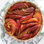 Szybka, łatwa i efektowna tarta z jabłkami – przepis krok po kroku