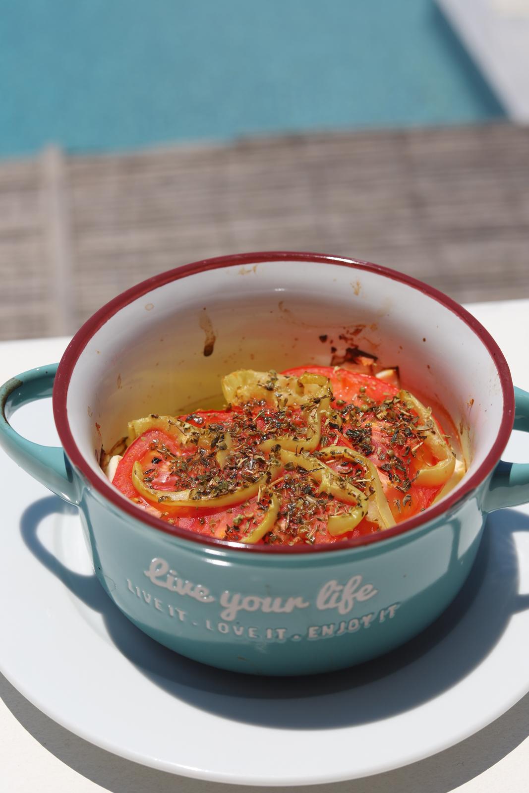 bougiourdi feta zapiekana z pomidorami krytyka kulinarna